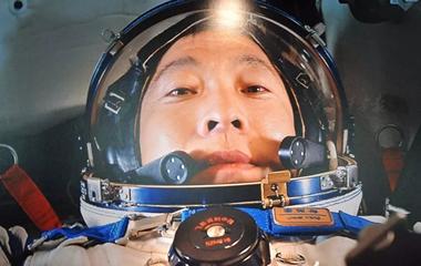 星际穿越,去看中国航天员的太空自拍
