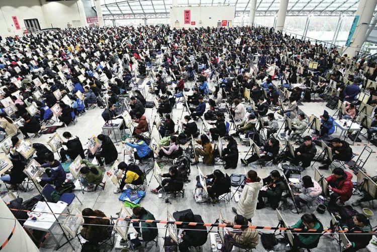 山东艺考大幕拉开 12万余名考生中近半是美术生