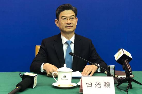 山东省工商行政管理局副局长、新闻发言人田治颖