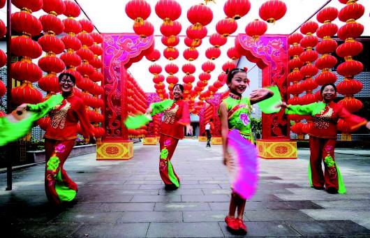 """胶州""""庄户剧团""""舞出大名堂 每年表演近四百场"""