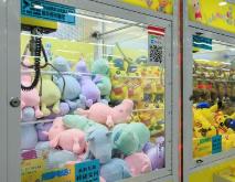"""淄博一商场娃娃机安装才半月就遭""""黑手"""""""