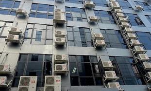 张店金宝岛大厦外墙空调外机声音响 附近居民难入眠