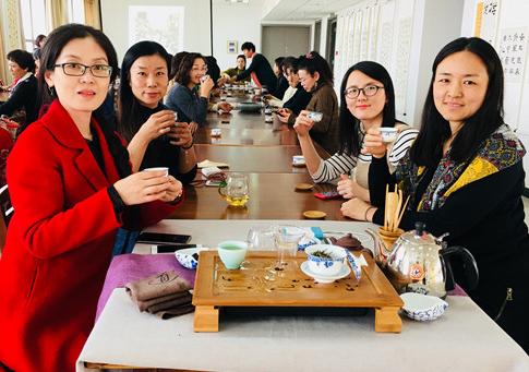 东营旗袍爱好者齐聚一堂体验茶艺 传承茶文化