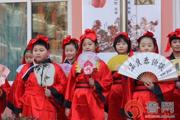 济南中小学让年俗、经典争主角 传统文化驻心间