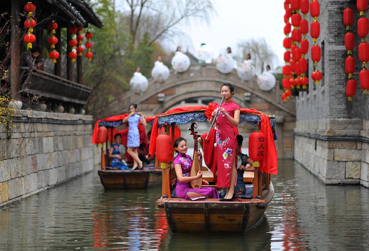 佳丽台儿庄水乡秀才艺 喜迎三八妇女节