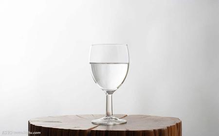 白酒春节期间量增价稳