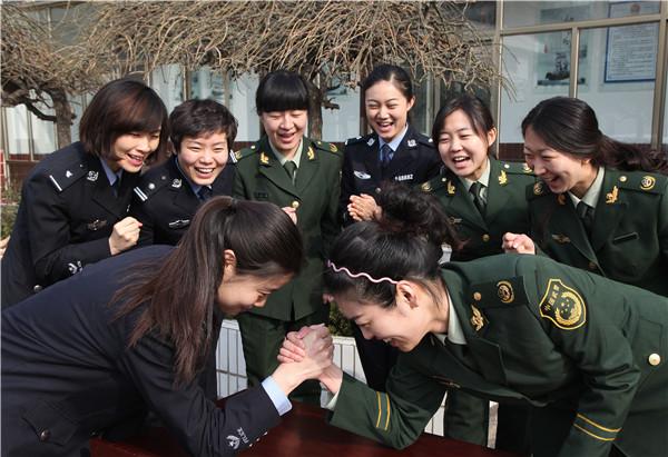 聊城:庆祝三八妇女节 展现警营多彩人生