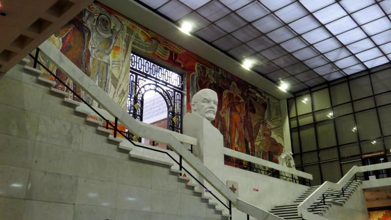 《苏联记忆.大国印象》展馆。据导游介绍:习总书记访俄期间曾参观此馆,并给予高度评价