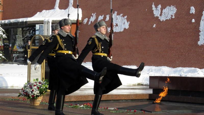 无名英雄纪念碑正点换岗的卫兵