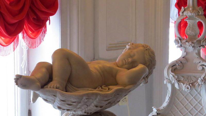 叶卡捷琳娜花园的雕塑