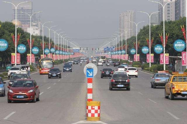 东昌路、柳园路等主干道路口全部进行交通渠化改造