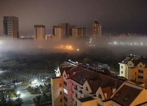 青岛深夜现平流雾景观 城市夜景美轮美奂