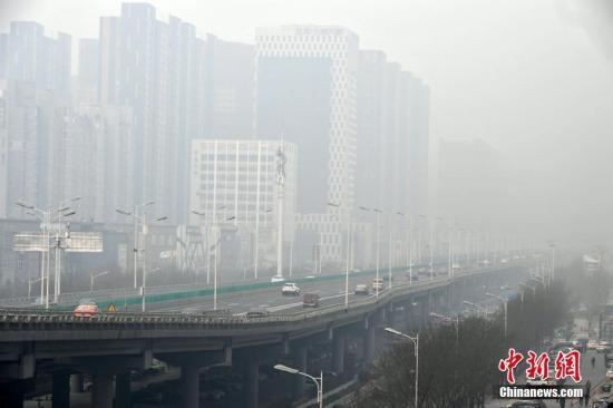 河北环保铁腕执法:15天发现大气环境问题1363个