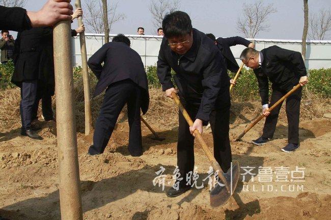 3500多人齐聚聊城开发区 义务植树14400多棵