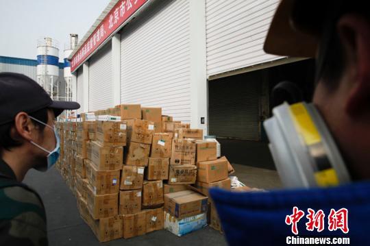 北京重拳惩治食药违法行为 一年查上万案件罚2.3亿元
