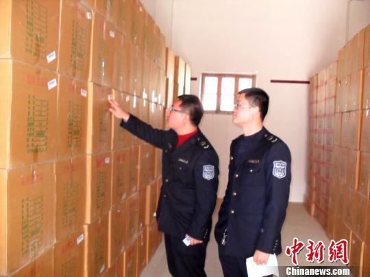 """扬州市区施行""""禁放令""""效果显著 禁放区域已无烟花爆竹零售店"""