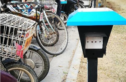 聊城这个小区统一安装了电动车充电桩,扫码即充一小时两毛五