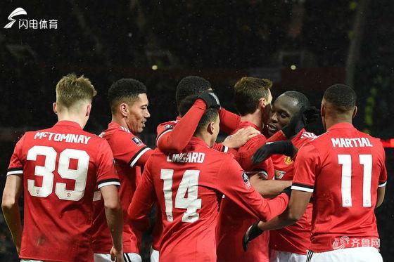 足总杯-卢卡库进球马蒂奇传射 曼联2-0晋级四强