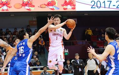 山东男篮季后赛3-0完胜江苏队挺进四强