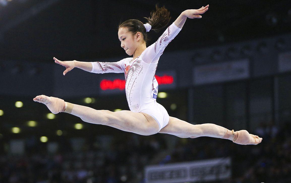 2018体操世界杯德国斯图加特站女子全能赛:中国选手章瑾夺冠