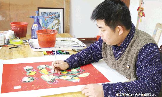 潍坊非遗传承人宋晓创新画法反映农民农村生活