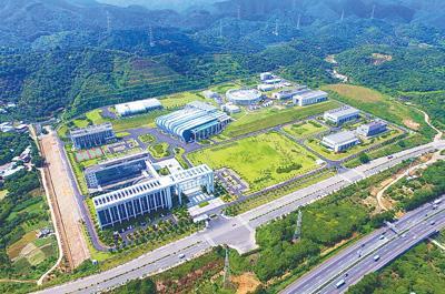 中国首台脉冲型散裂中子源建成 将微观世界看通透