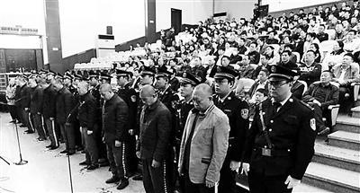 山西闻喜县公安局原副局长组织盗墓11次 被判无期