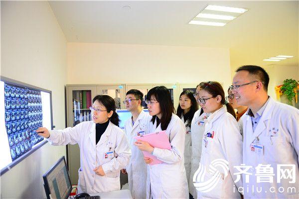 毓璜顶医院多科室合作历经3小时顺利取出34斤巨大肿瘤
