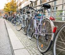 张店:自行车也要停车入位 乱停乱放将被纠正