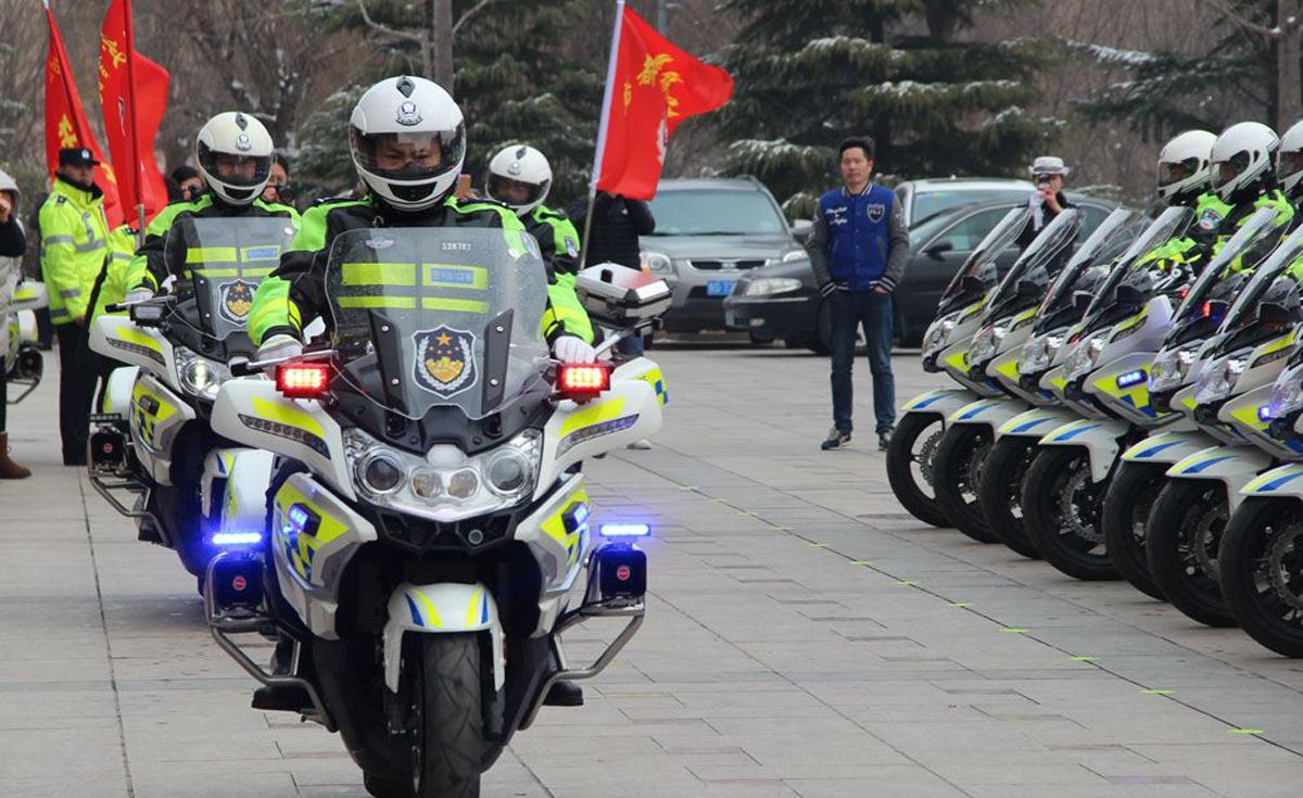 鸢都交警铁骑巡逻启动 90辆警用摩托闪亮登场
