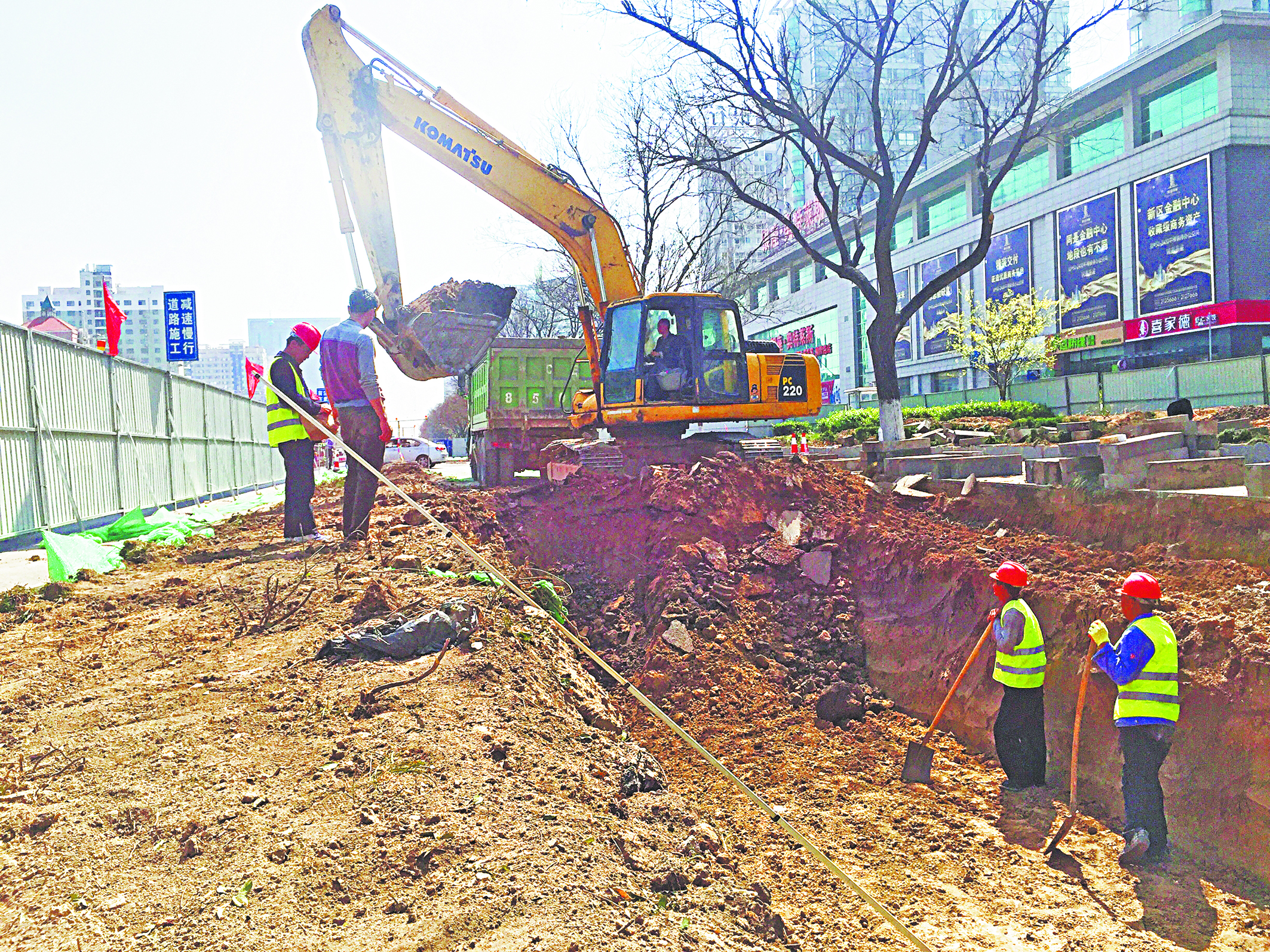 淄博柳泉路改造日记:深挖1.7米 管道直径增加不少