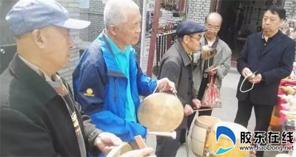 东方老烟台大集响起锣鼓点子 老艺人平均年龄70