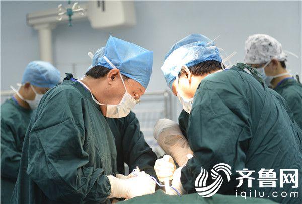 滨医烟台附院3D打印技术 成功助力复杂髋关节置换手术