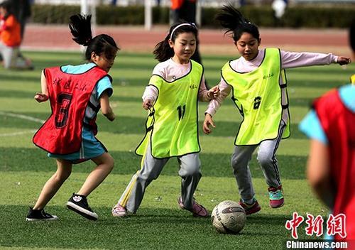 教育部:加强全国校园足球特色学校质量管理考核