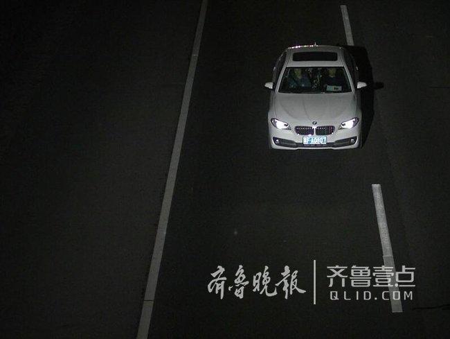 泰安:伪造号牌 超速行驶,这位驾驶员驾驶证被记27分