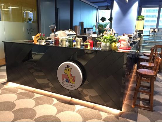 岛城兴起共享办公室 创客拼桌上班尽享优雅时尚