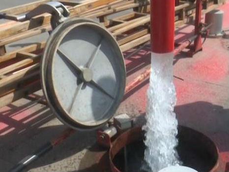 加水速度快一倍,360度旋转!消防水鹤正式亮相滕州