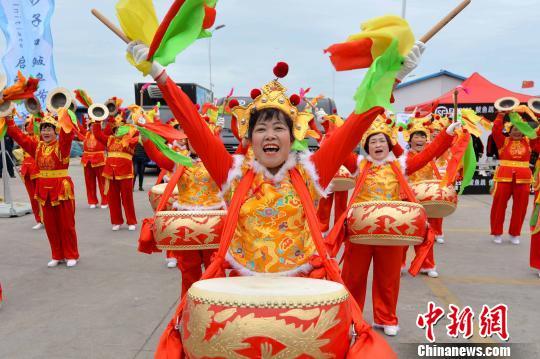 青岛沙子口鲅鱼节启幕,舌尖美食尽显孝道文化