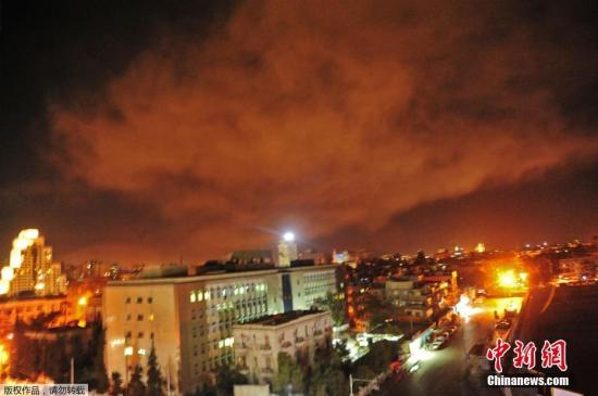 叙常驻联合国代表:美英法夜袭叙利亚导致3人受伤