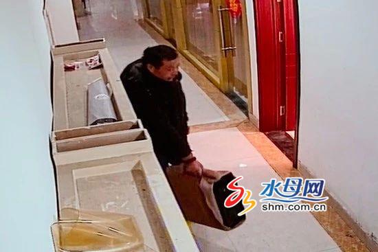 烟台:前网管缺钱潜回网吧盗窃万元服务器 卖了300元
