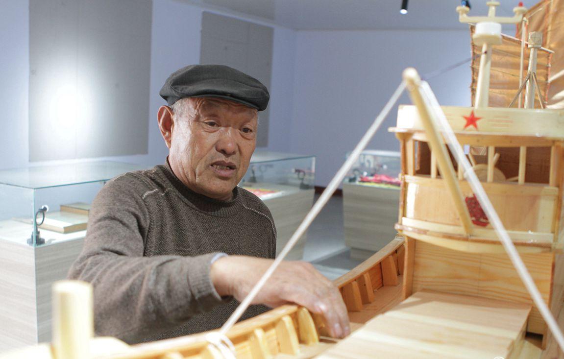 工匠的坚守 日照70岁老人传承造船技艺
