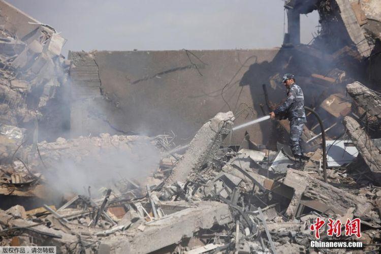 叙民众谴责美英法空袭:他们简直失去理智,我们不会屈服