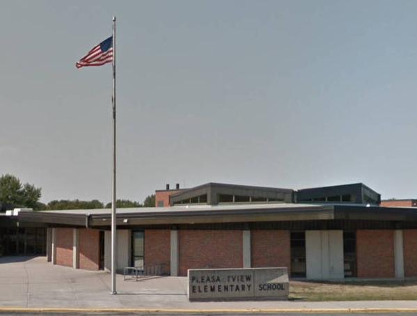 美国8岁小学生持菜刀到校园 挥刀划伤3名同学