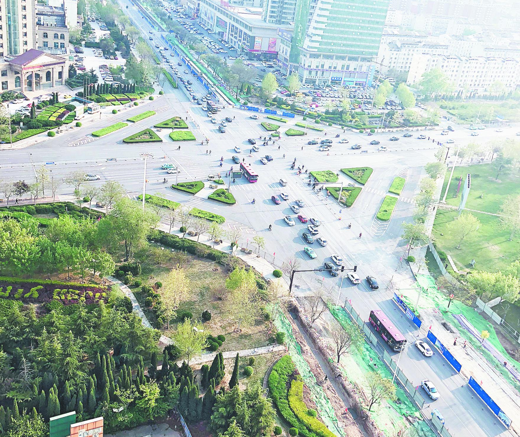 """淄博柳泉路改造施工""""满月""""改变看得见"""