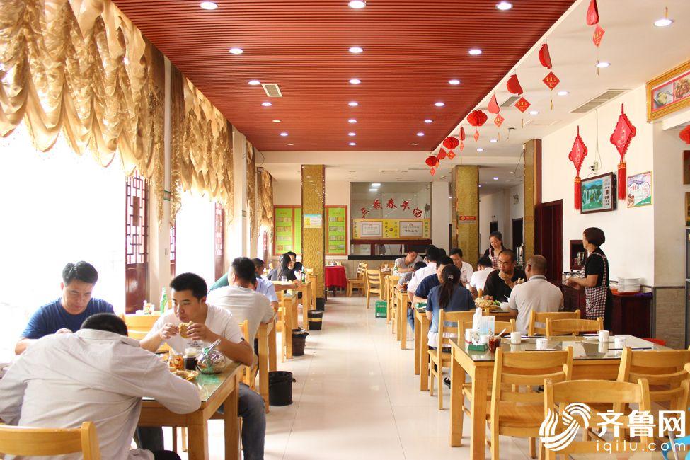 三義春总店一楼大厅IMG_8520 (2)