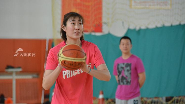 山东高速女篮备战新赛季 希望与朝气并存的春天
