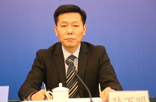 山东省统计局二级巡视员、新闻发言人 陆万明