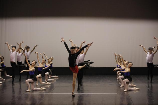 """中芭打造""""从敦煌壁画里跳出来""""的童话芭蕾《九色鹿》"""
