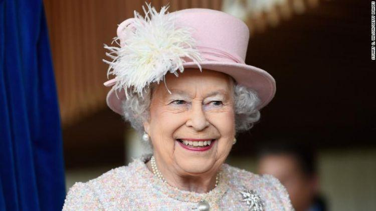 英国女王迎来92岁生日 庆祝音乐会众星云集
