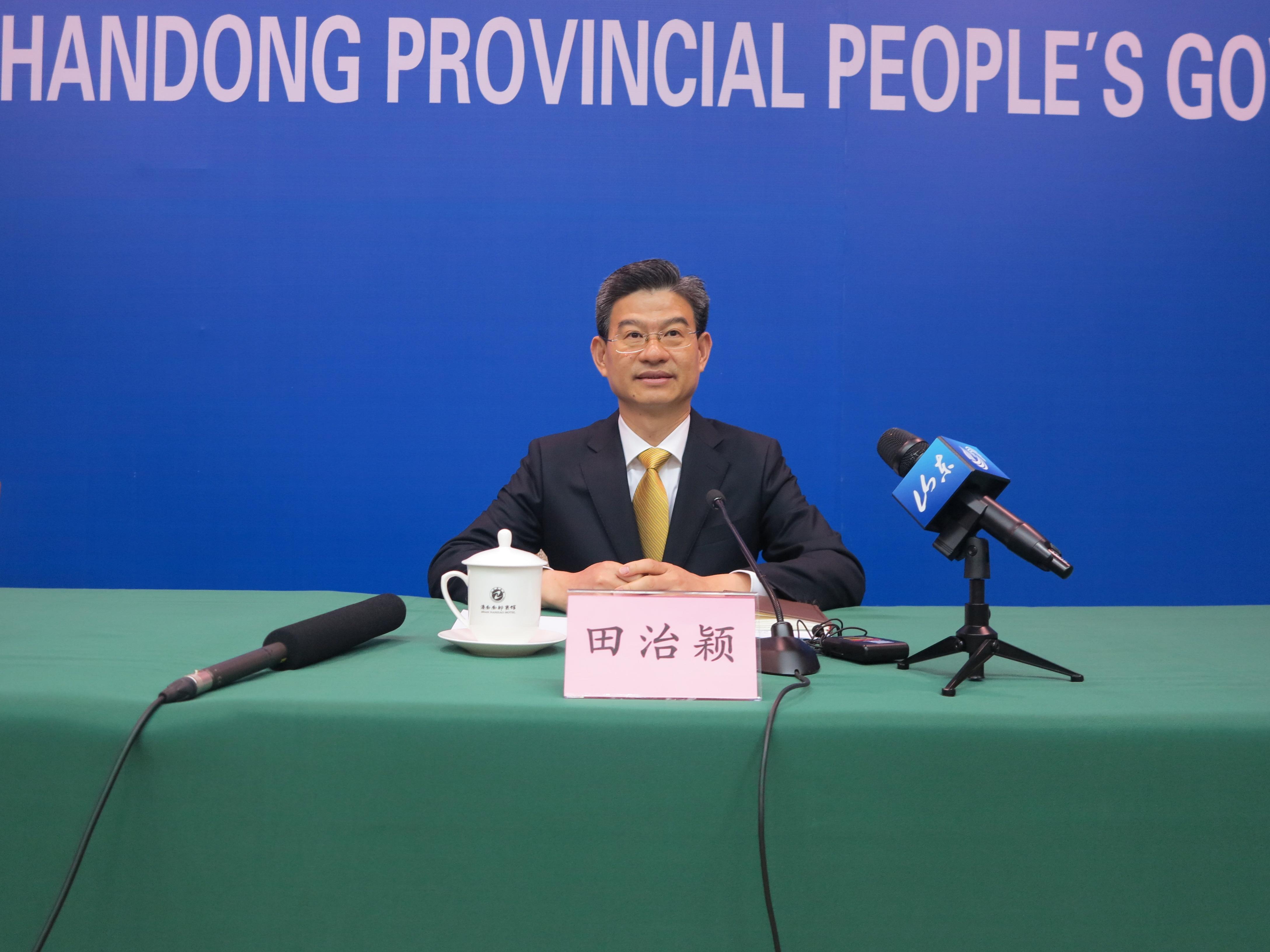 山东省工商局副局长、新闻发言人 田治颖